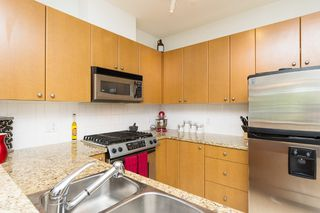 "Photo 12: 406 14 E ROYAL Avenue in New Westminster: Fraserview NW Condo for sale in ""Victoria Hill"" : MLS®# R2092920"