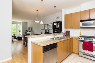 "Photo 6: 406 14 E ROYAL Avenue in New Westminster: Fraserview NW Condo for sale in ""Victoria Hill"" : MLS®# R2092920"