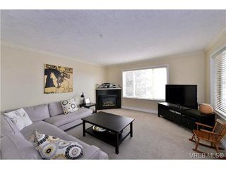 Photo 10: 24 127 Aldersmith Place in VICTORIA: VR Glentana Townhouse for sale (View Royal)  : MLS®# 368134