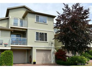 Photo 1: 24 127 Aldersmith Place in VICTORIA: VR Glentana Townhouse for sale (View Royal)  : MLS®# 368134