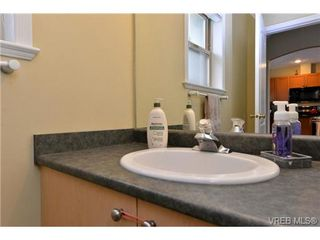 Photo 16: 24 127 Aldersmith Place in VICTORIA: VR Glentana Townhouse for sale (View Royal)  : MLS®# 368134