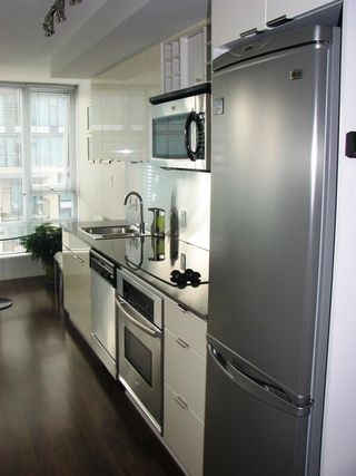 Photo 10: 2106 233 ROBSON Street in Vancouver: Downtown VW Condo for sale (Vancouver West)  : MLS®# R2106930