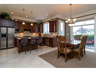 """Photo 5: 19624 69A Avenue in Langley: Willoughby Heights House for sale in """"Camden Park"""" : MLS®# R2117058"""