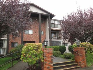 "Photo 2: 314 32910 AMICUS Place in Abbotsford: Central Abbotsford Condo for sale in ""Royal Oaks"" : MLS®# R2122467"