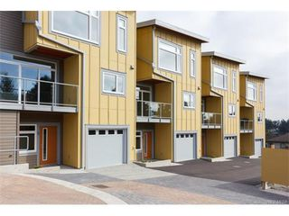 Photo 2: 11 235 Island Hwy in VICTORIA: VR View Royal Row/Townhouse for sale (View Royal)  : MLS®# 746824