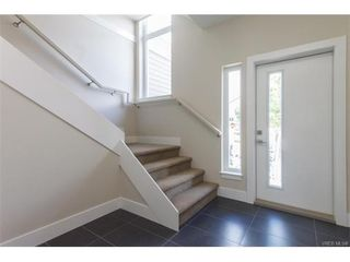 Photo 3: 11 235 Island Highway in VICTORIA: VR View Royal Townhouse for sale (View Royal)  : MLS®# 372262
