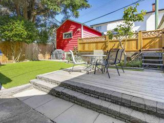 Photo 18: 4384 NANAIMO Street in Vancouver: Collingwood VE House for sale (Vancouver East)  : MLS®# R2202934