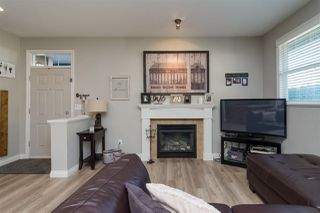 "Photo 4: 3 18087 70 Avenue in Surrey: Cloverdale BC Townhouse for sale in ""PROVINCETON"" (Cloverdale)  : MLS®# R2210473"