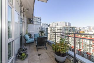 Photo 12: 806 63 W 2ND AVENUE in Vancouver: False Creek Condo for sale (Vancouver West)  : MLS®# R2215360