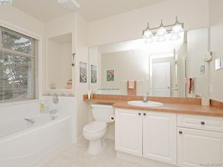 Photo 13: 2 127 Aldersmith Place in VICTORIA: VR Glentana Townhouse for sale (View Royal)  : MLS®# 387907