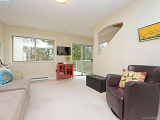 Photo 10: 2 127 Aldersmith Pl in VICTORIA: VR Glentana Row/Townhouse for sale (View Royal)  : MLS®# 779387