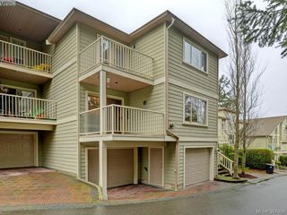 Photo 3: 2 127 Aldersmith Pl in VICTORIA: VR Glentana Row/Townhouse for sale (View Royal)  : MLS®# 779387