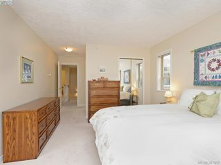 Photo 11: 2 127 Aldersmith Pl in VICTORIA: VR Glentana Row/Townhouse for sale (View Royal)  : MLS®# 779387