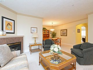 Photo 4: 2 127 Aldersmith Place in VICTORIA: VR Glentana Townhouse for sale (View Royal)  : MLS®# 387907