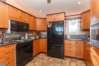 Photo 7: 2775 Shoreline Drive in VICTORIA: VR Glentana Single Family Detached for sale (View Royal)  : MLS®# 389770