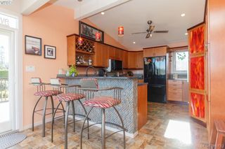 Photo 6: 2775 Shoreline Drive in VICTORIA: VR Glentana Single Family Detached for sale (View Royal)  : MLS®# 389770