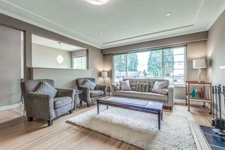 Photo 2: 214 E 26TH Street in North Vancouver: Upper Lonsdale House for sale : MLS®# R2278779