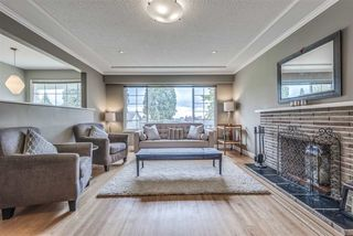 Photo 3: 214 E 26TH Street in North Vancouver: Upper Lonsdale House for sale : MLS®# R2278779