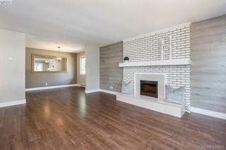 Photo 3: 1573 Arbordale Avenue in VICTORIA: SE Mt Doug Single Family Detached for sale (Saanich East)  : MLS®# 394691