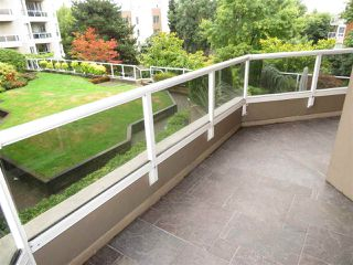 "Photo 14: 404 1235 QUAYSIDE Drive in New Westminster: Quay Condo for sale in ""RIVERIA MANSIONS"" : MLS®# R2305390"