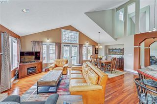 Photo 12: 112 Gibraltar Bay Drive in VICTORIA: VR View Royal Single Family Detached for sale (View Royal)  : MLS®# 404413