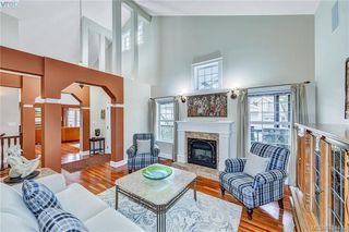Photo 4: 112 Gibraltar Bay Drive in VICTORIA: VR View Royal Single Family Detached for sale (View Royal)  : MLS®# 404413