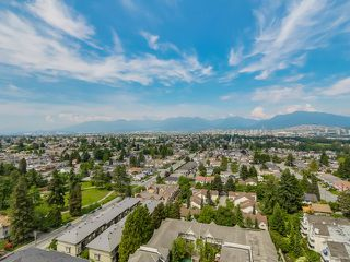 """Photo 1: 1205 4160 SARDIS Street in Burnaby: Central Park BS Condo for sale in """"CENTRAL PARK PLACE"""" (Burnaby South)  : MLS®# R2335283"""