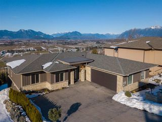 """Main Photo: 285 51075 FALLS Court in Chilliwack: Eastern Hillsides House for sale in """"Emerald Ridge @ The Falls"""" : MLS®# R2342352"""