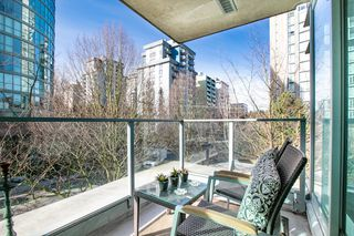 "Photo 6: 309 1889 ALBERNI Street in Vancouver: West End VW Condo for sale in ""LORD STANLEY"" (Vancouver West)  : MLS®# R2343029"