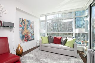 "Photo 2: 309 1889 ALBERNI Street in Vancouver: West End VW Condo for sale in ""LORD STANLEY"" (Vancouver West)  : MLS®# R2343029"
