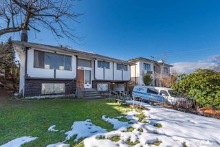 Photo 2: 5111 ELSOM Avenue in Burnaby: Forest Glen BS House for sale (Burnaby South)  : MLS®# R2347478