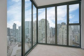 "Photo 5: 2402 1155 HOMER Street in Vancouver: Yaletown Condo for sale in ""CITY CREST"" (Vancouver West)  : MLS®# R2348224"