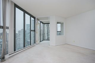 "Photo 4: 2402 1155 HOMER Street in Vancouver: Yaletown Condo for sale in ""CITY CREST"" (Vancouver West)  : MLS®# R2348224"