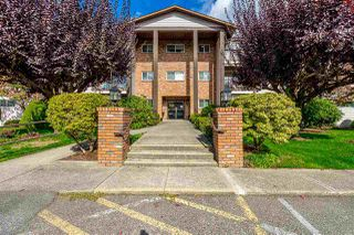 "Photo 1: 105 32910 AMICUS Place in Abbotsford: Central Abbotsford Condo for sale in ""ROYAL OAKS"" : MLS®# R2348823"