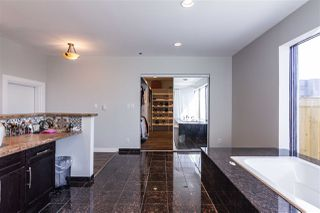 Photo 22: 1001 10105 109 Street in Edmonton: Zone 12 Condo for sale : MLS®# E4149066