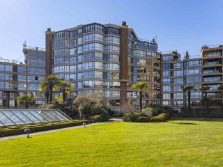 "Main Photo: 605 1490 PENNYFARTHING Drive in Vancouver: False Creek Condo for sale in ""Harbour Cove Three"" (Vancouver West)  : MLS®# R2352893"