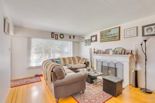 Photo 2: 1915 E 53RD Avenue in Vancouver: Killarney VE House for sale (Vancouver East)  : MLS®# R2353926