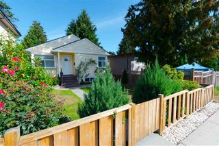 "Main Photo: 749 E 29TH Avenue in Vancouver: Fraser VE House for sale in ""CEDAR COTTAGE"" (Vancouver East)  : MLS®# R2355659"