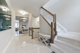 Photo 2: 2259 WARRY Loop in Edmonton: Zone 56 House for sale : MLS®# E4152959