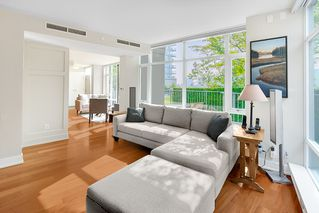 "Photo 6: TH 106 918 COOPERAGE Way in Vancouver: Yaletown Townhouse for sale in ""MARINER"" (Vancouver West)  : MLS®# R2366351"