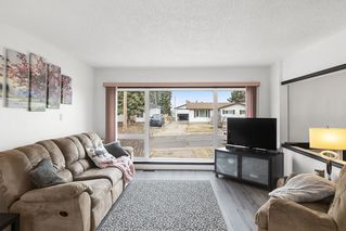 Photo 2: 811 11 Avenue: Cold Lake House for sale : MLS®# E4155999