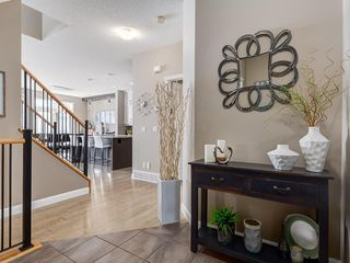Photo 3: 113 TUSSLEWOOD Terrace NW in Calgary: Tuscany Detached for sale : MLS®# C4244235