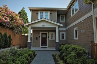 Main Photo: 319 W 14TH Street in North Vancouver: Central Lonsdale House 1/2 Duplex for sale : MLS®# R2375094