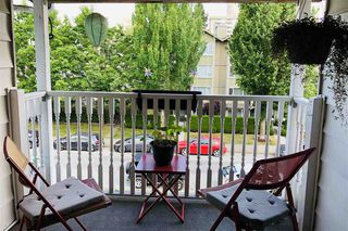 Photo 7: 946 W 14TH Avenue in Vancouver: Fairview VW House for sale (Vancouver West)  : MLS®# R2381189