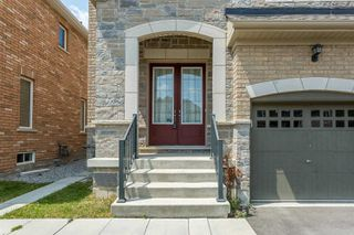 Photo 3: 24 Kempsford Crescent in Brampton: Northwest Brampton House (2-Storey) for sale : MLS®# W4529880