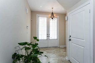 Photo 2: 24 Kempsford Crescent in Brampton: Northwest Brampton House (2-Storey) for sale : MLS®# W4529880