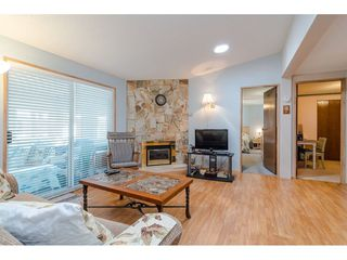 Photo 9: 231 20071 24 AVENUE in Langley: Brookswood Langley Manufactured Home for sale : MLS®# R2400378