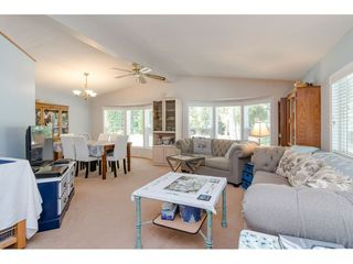 Photo 3: 231 20071 24 AVENUE in Langley: Brookswood Langley Manufactured Home for sale : MLS®# R2400378