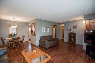 Photo 3: 98 Moberly Avenue in Winnipeg: Lakeside Meadows Residential for sale (3K)  : MLS®# 1929529