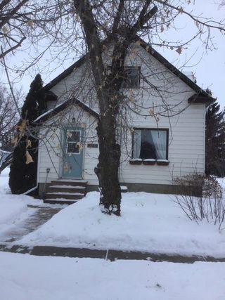 Photo 1: 5123 54 Avenue: Viking House for sale : MLS®# E4187449